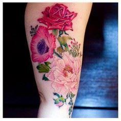 Pinkes Blumentattoo - 200 Floral Tattoos - Beautiful Flower Designs, Ideas for Tattoos