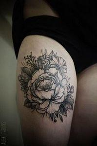 Tatouage Fleur Noir-et-blanc sur C - 200 Floral Tattoos - Beautiful Flower Designs, Ideas for Tattoos