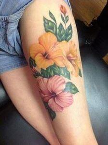 40 Magnificent Hibiscus Flower Tat - 185 Thigh Tattoos